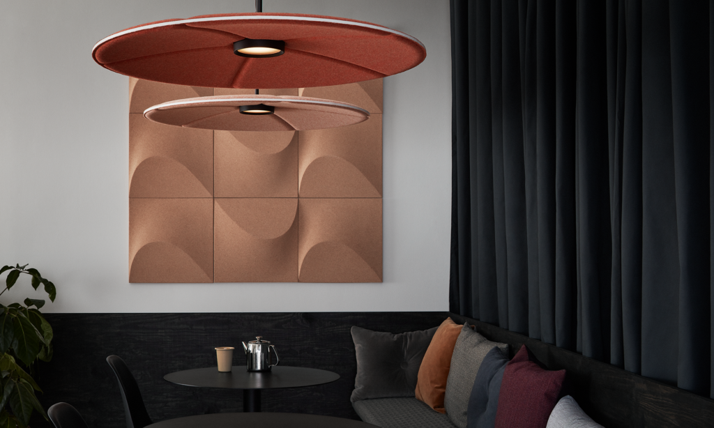 akoestische-verlichting-plafondpanelen-lily-akoestiek-abstracta-loff-maatkantoren (5)