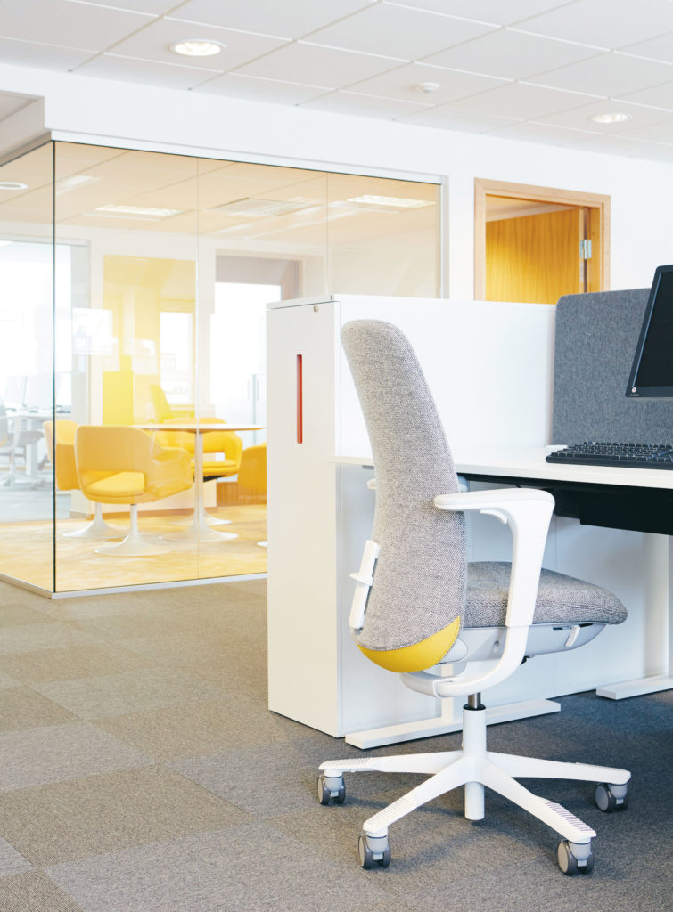 kantoorinrichting-werken-in-teams-spaceplanning-loff (3)