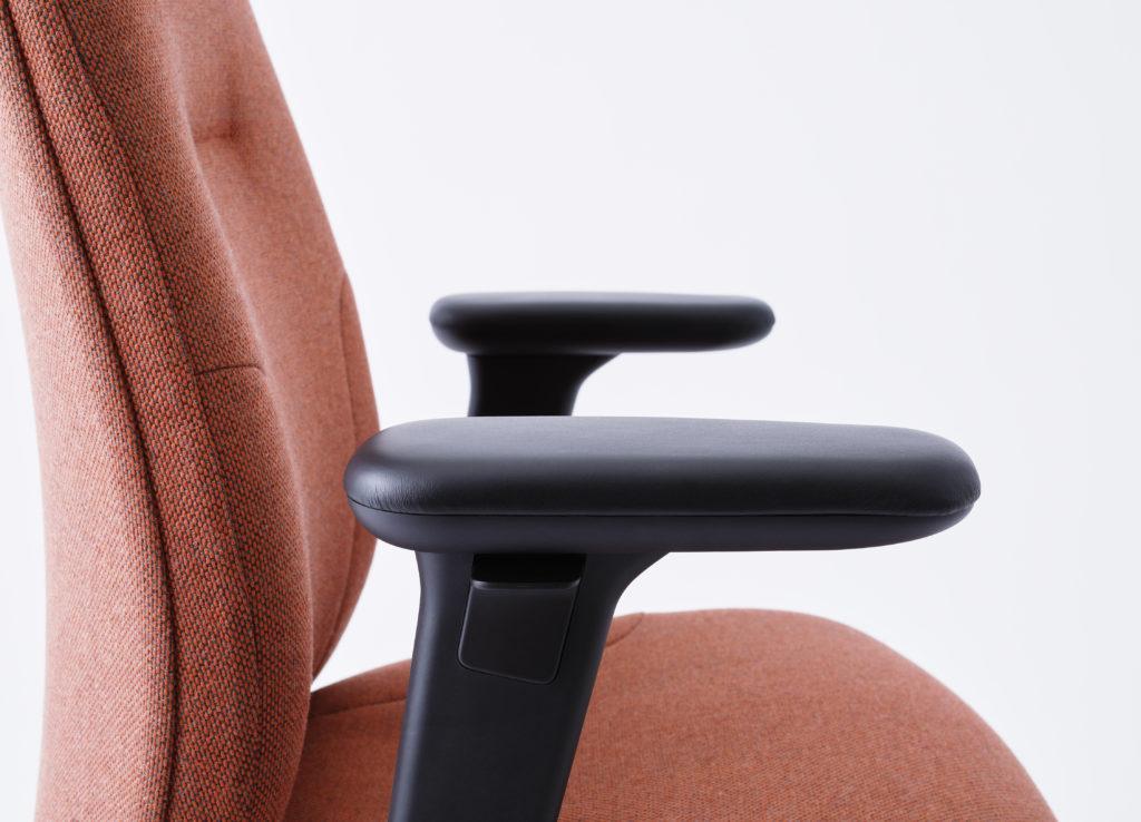 RH_New_Logic_armrest