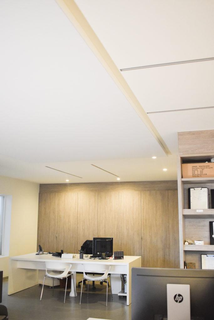 Plafondpaneel-akoestiek-Loff-maatkantoren-Mauws-Beveren-Leie (7)