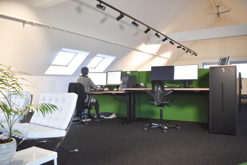 transuniverse-loff-maatkantoren-kantoorinrichting-ergoloft