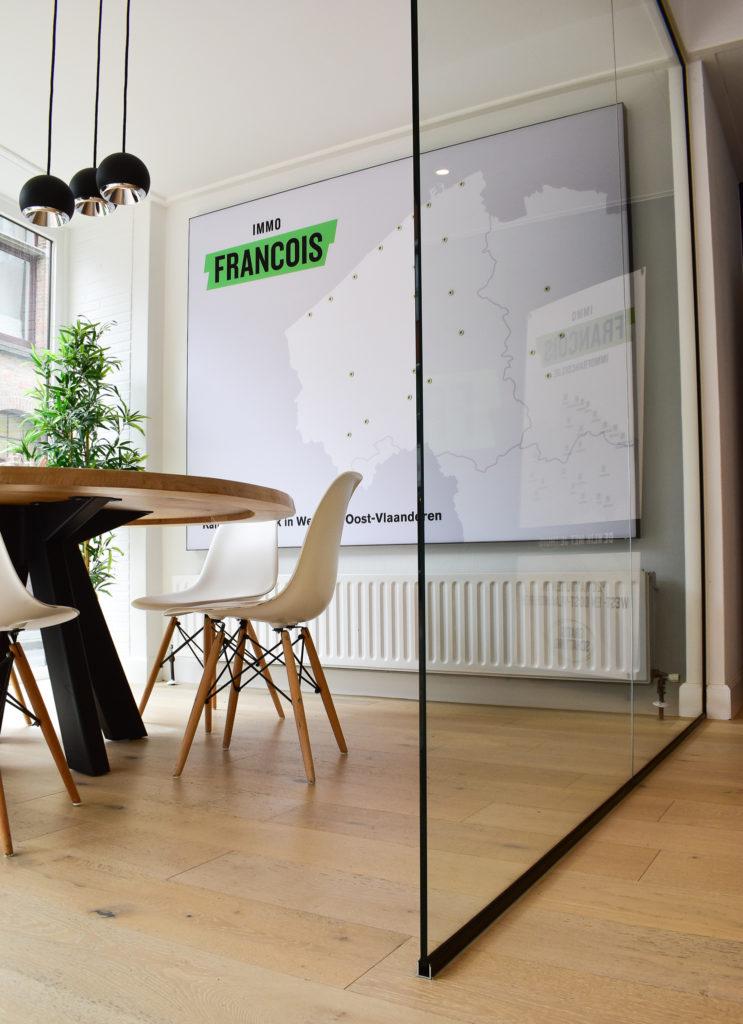 Akoestische-wandpanelen-op-maat-Loff-maatkantoren-akoestiek-op-kantoor (2)