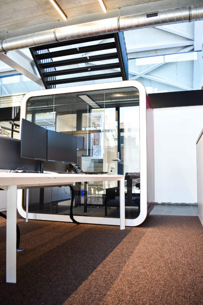 Meetingpod-Phonebooth-Akoestische-Pod-Hub-Referentie-Auditas-Loffmaatkantoren-LR (10)