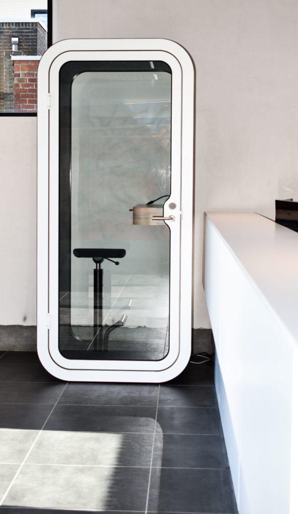 Meetingpod-Phonebooth-Akoestische-Pod-Hub-Referentie-Auditas-Loffmaatkantoren-LR (12)