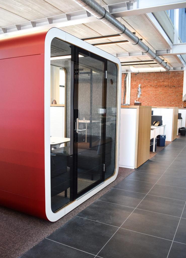 Meetingpod-Phonebooth-Akoestische-Pod-Hub-Referentie-Auditas-Loffmaatkantoren-LR (2)