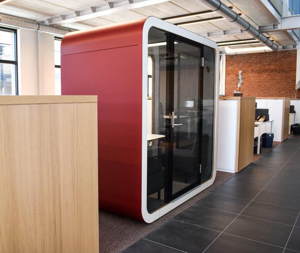 Meetingpod-Phonebooth-Akoestische-Pod-Hub-Referentie-Auditas-Loffmaatkantoren-LR (3)