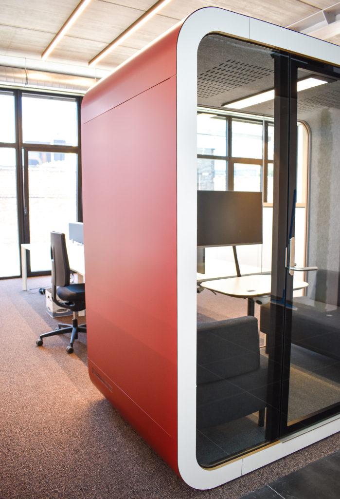 Meetingpod-Phonebooth-Akoestische-Pod-Hub-Referentie-Auditas-Loffmaatkantoren-LR (4)
