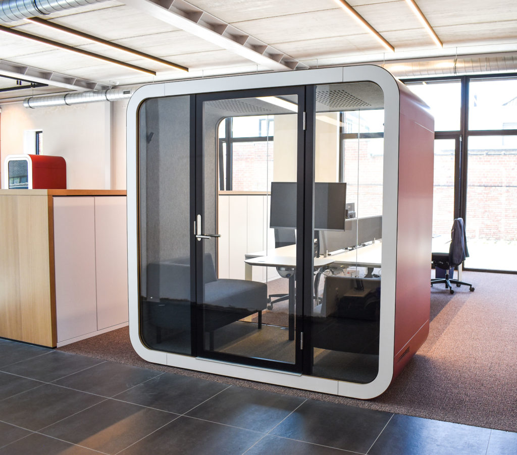 Meetingpod-Phonebooth-Akoestische-Pod-Hub-Referentie-Auditas-Loffmaatkantoren-LR (6)