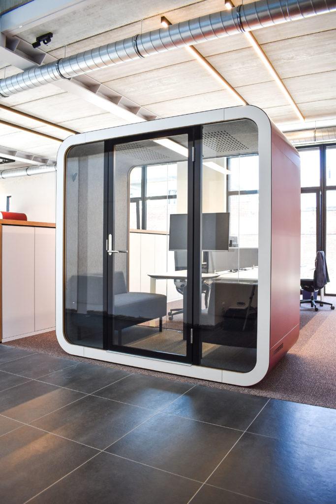 Meetingpod-Phonebooth-Akoestische-Pod-Hub-Referentie-Auditas-Loffmaatkantoren-LR (7)