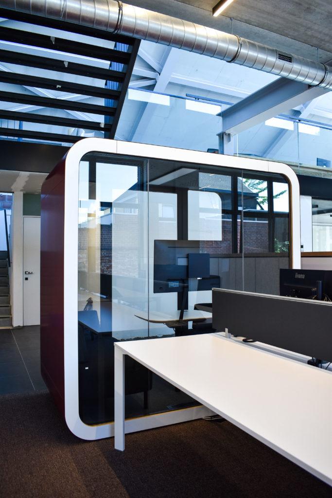 Meetingpod-Phonebooth-Akoestische-Pod-Hub-Referentie-Auditas-Loffmaatkantoren-LR (8)