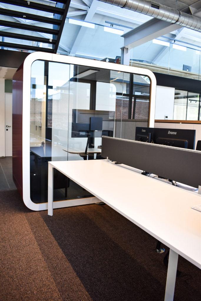 Meetingpod-Phonebooth-Akoestische-Pod-Hub-Referentie-Auditas-Loffmaatkantoren-LR (9)