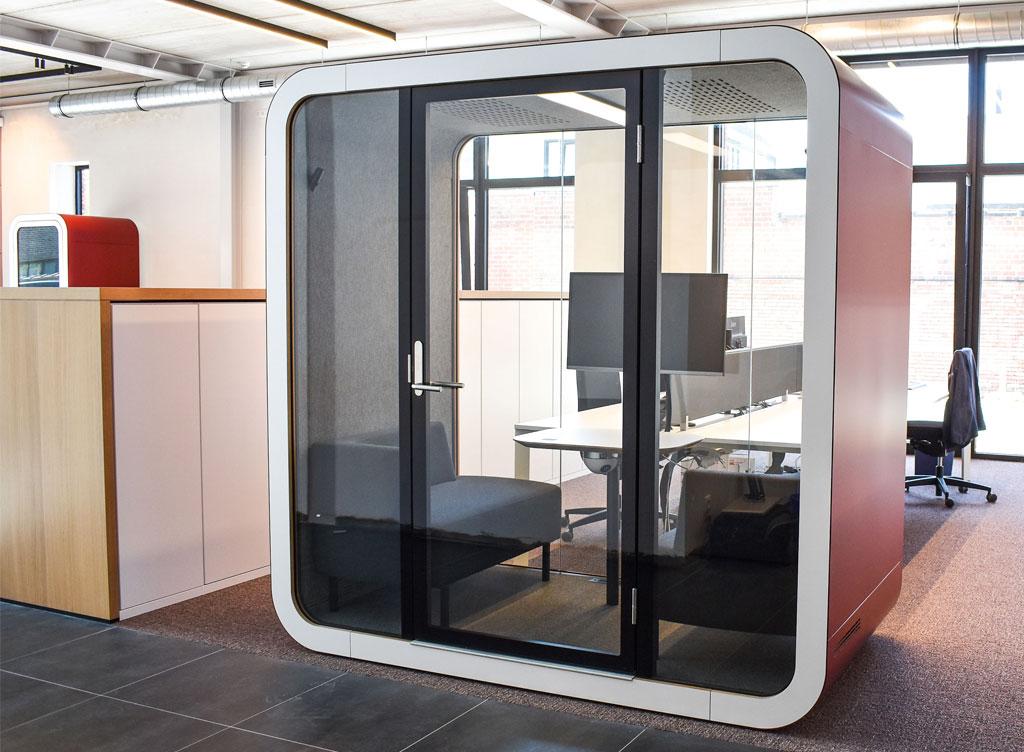 Meetingpod-Phonebooth-Akoestische-Pod-Hub-Referentie-Auditas-Loffmaatkantoren
