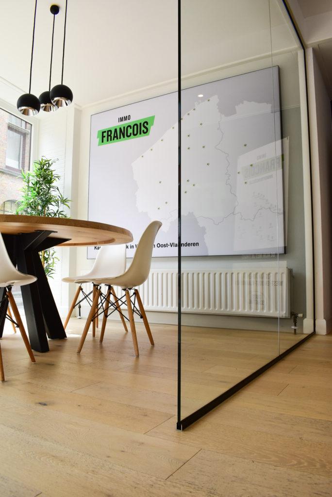 Akoestische-wandpanelen-op-maat-Loff-maatkantoren-akoestiek-op-kantoor (4)