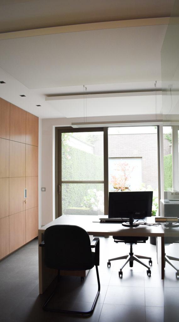 Embo-architecten-Referentie-Loff-maatkantoren-Akoestiek-op-kantoor-akoestische-plafondpanelen (1)