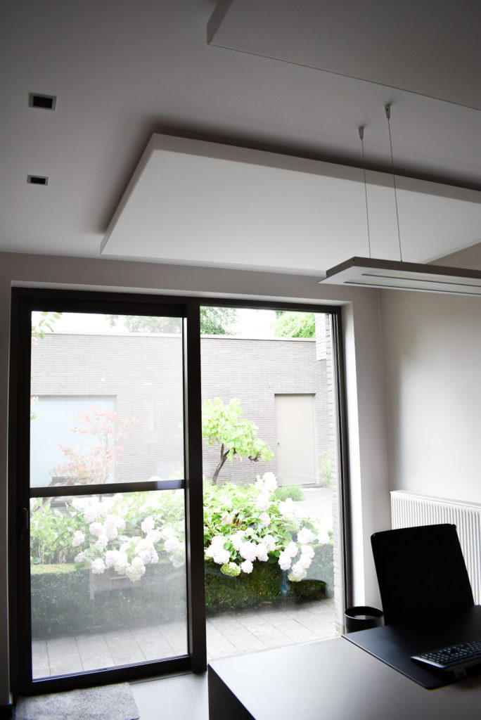 Embo-architecten-Referentie-Loff-maatkantoren-Akoestiek-op-kantoor-akoestische-plafondpanelen (23)