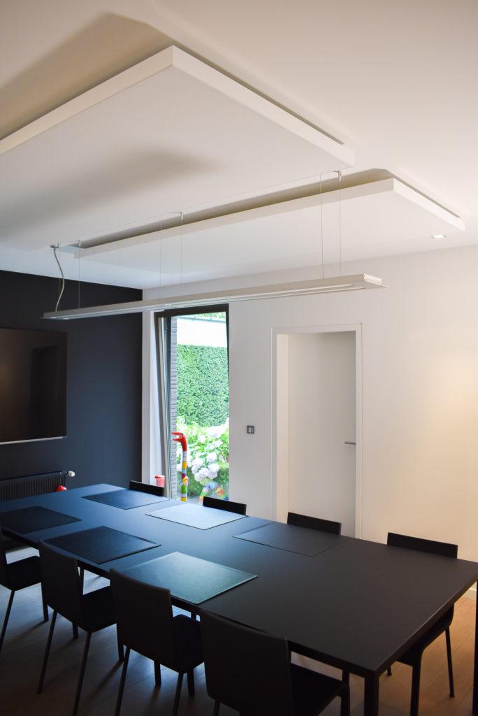 Embo-architecten-Referentie-Loff-maatkantoren-Akoestiek-op-kantoor-akoestische-plafondpanelen (6)