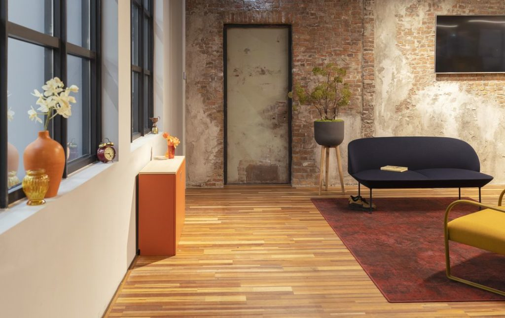 Home-Fit-Zitstawerkplek-Thuiskantoor-Zit-staand-werken-HomeOffice-Loff (11)