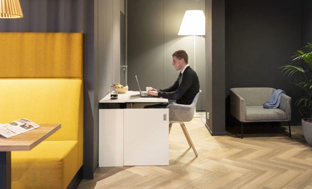 Home-Fit-Zitstawerkplek-Thuiskantoor-Zit-staand-werken-HomeOffice-Loff (13)