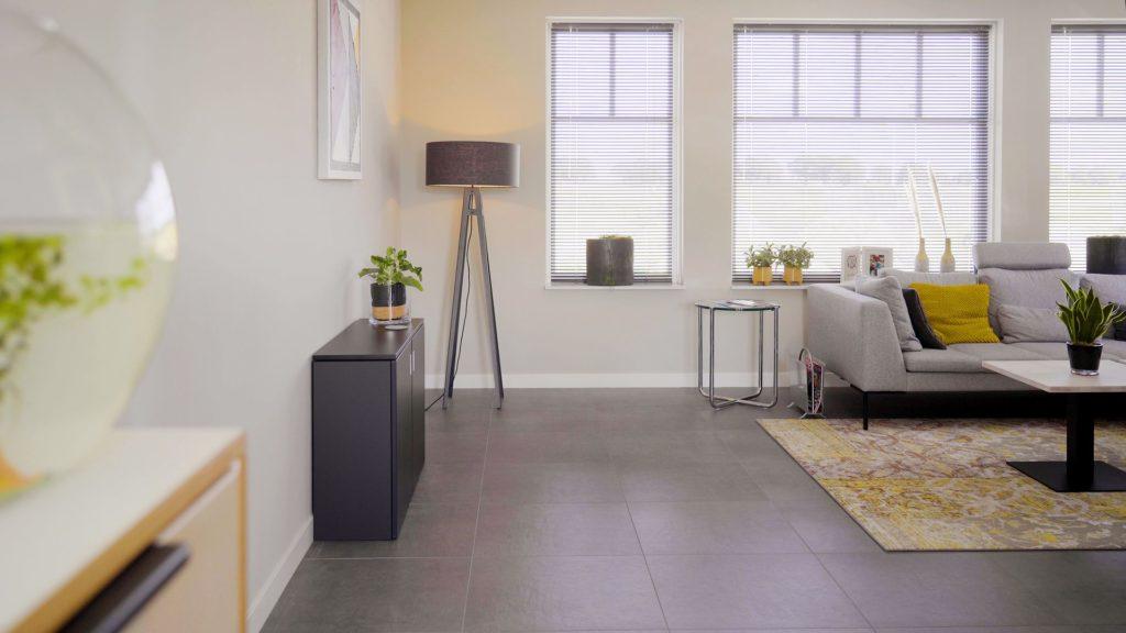 Home-Fit-Zitstawerkplek-Thuiskantoor-Zit-staand-werken-HomeOffice-Loff (15)