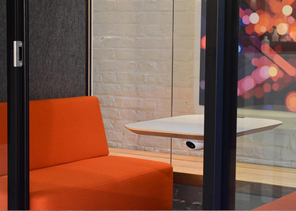 Sym3 Referentie Loff Maatkantoren Phonebooth Framery Q
