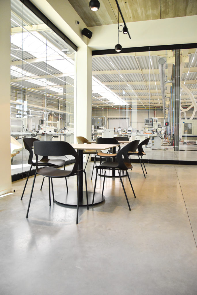 Rogiers-Referentie-Kantoorinrichting-Loff-Waregem (20)